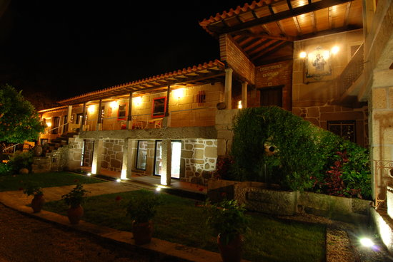 Quinta da Cancela: Night view | B&B Braga Guimaraes