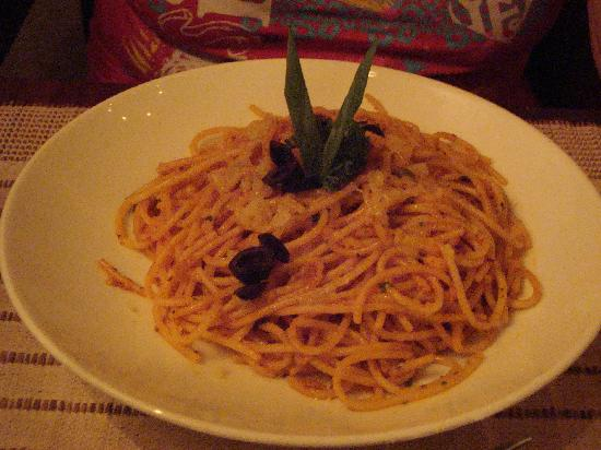 Foodlands Restaurant: spaghetti napolitana