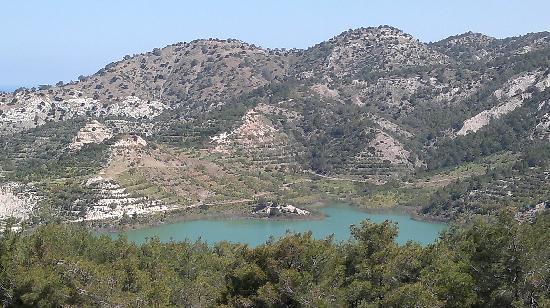 Sammy's Hotel: Turquoise lake
