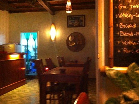 White Sail Bar & Restaurant: View to kitchen