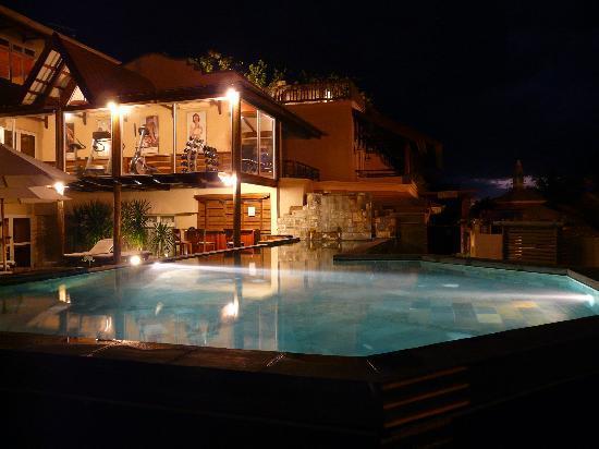Piscine et salle de sport picture of aanari hotel spa for Piscine salle de sport