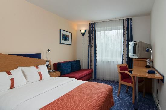 Holiday Inn Express Koln-Mulheim : Zimmer