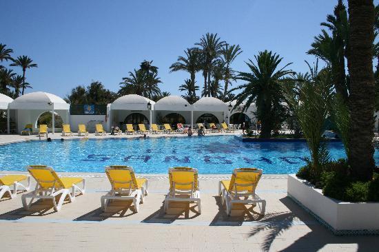 Chambre prestige bord de mer les pieds dans l 39 eau for Chambre piscine