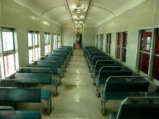 二等車内部 - 香港、香港鉄路博物館の写真 - トリップアドバイザー