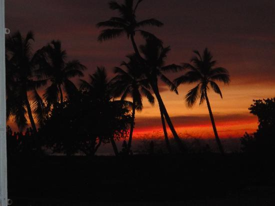 Antigua's Yepton Estate Cottages: Sunset from the Chippy