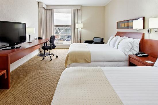 Holiday Inn Santiago Airport: Two double bed room