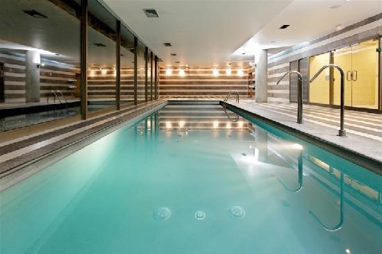 Holiday Inn Santiago Airport: Interior swiming pool