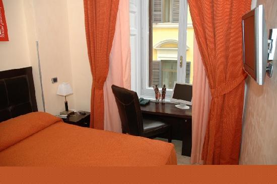 Hotel Le Petit: Double room