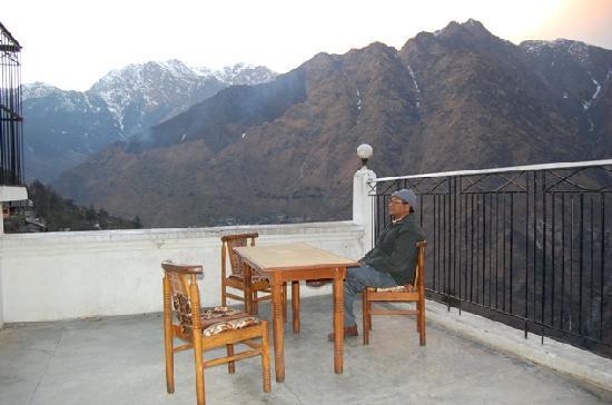 Joshimath, India: Rooftop restaurant