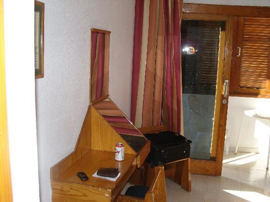 Hotel Andrea´s: Zimmer und Balkon