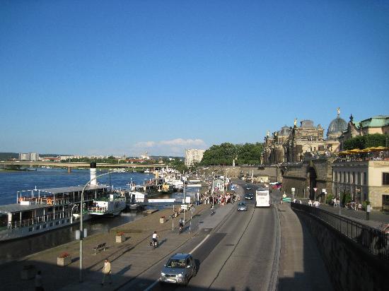 Schiffsanlegestelle Dresden: Dresden Elbe Anlegestelle