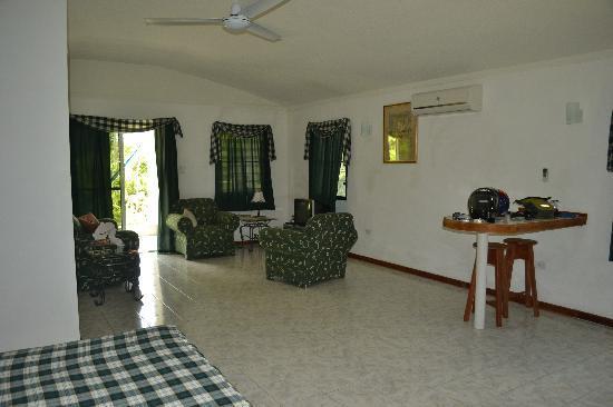 Roaring River Golf Course Accomodation: Spacious rooms