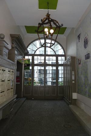Hotel Design Sorbonne: Entrance