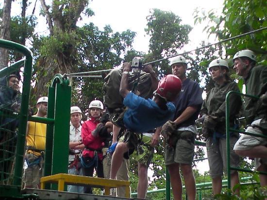 Papagayo Vargas Tours: Sky Trek (zip line)