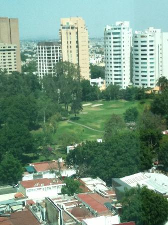NH Collection Guadalajara Providencia: View of the golf course from the hotel room