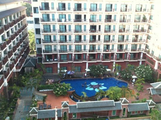 Hotel Vista Pattaya: pool view