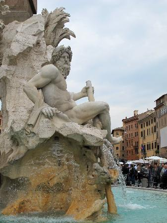 Hotel Navona: Piazza Navona - 2 minutes walk from the hotel