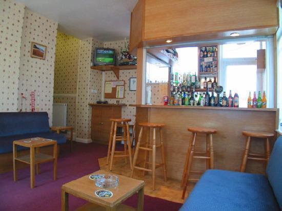 Grosvenor House: nice bar area