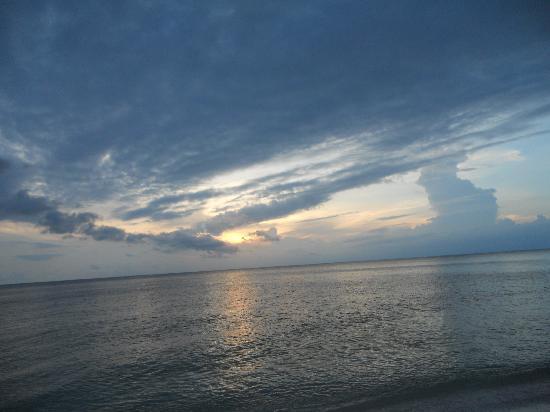 Naples / Marco Island KOA: Great sunsets on Marco Island