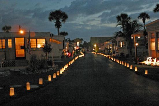Naples / Marco Island KOA: Christmas at Naples KOA