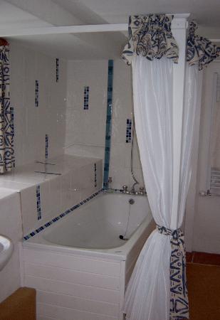 Hen House: Puno bathroom