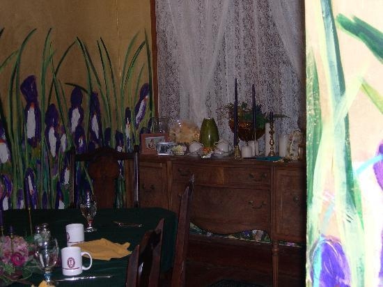 Garden House Bed & Breakfast: handpainted iris on the dining room walls