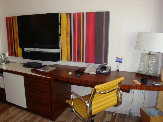 West 57th Street by Hilton Club: Desk