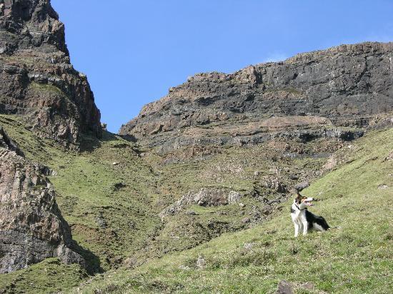 Carsaig Arches: Ghorrie's Leap