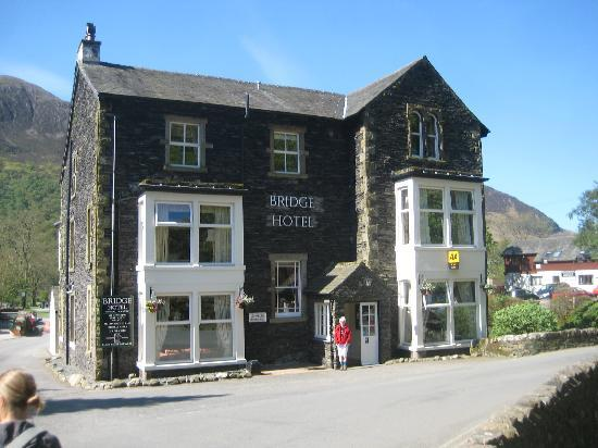 Bridge Hotel: The 4 poster rooms are at the front