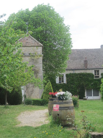 "Le Clos des Saunieres : Old world charm...""p-mail"" Pigeon Tower"