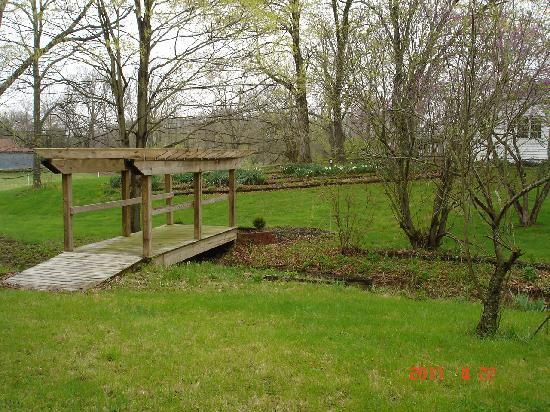 Sugar Valley Farm : Guest house gardens