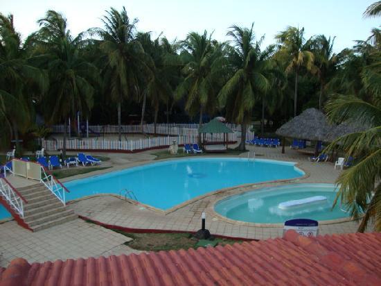 Brisas del Caribe Hotel: one of the three pools