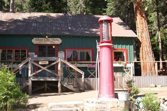 Silver City Mountain Resort: Silver City Store and Restaurant in Sequoia National Park