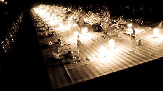 Round Hill Hotel & Villas : Wedding dinner on the beach