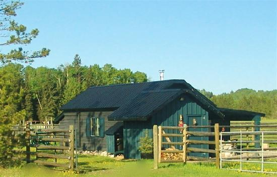 "Norton North Ranch Cottages: Privacy in the ""Corral Cottage"" with horse paddock, hammock, outdoor furniture, BBQ"