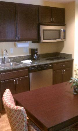 Homewood Suites West Palm Beach: The kitchen