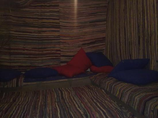 โรงแรมดาฉอบพลาซา: this was the lounge!, maybe now is better!