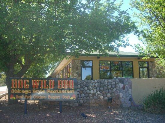 Hog Wild BBQ: Main Street Old Cottonwood