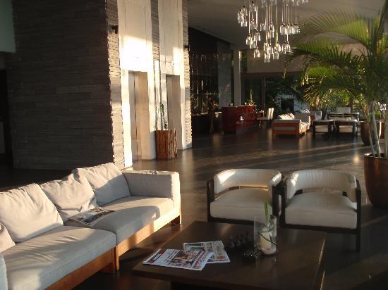 Cape Sienna Hotel & Villas: Cape Sienna Lobby