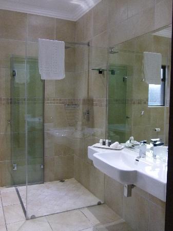Coco De Mer: our bathroom