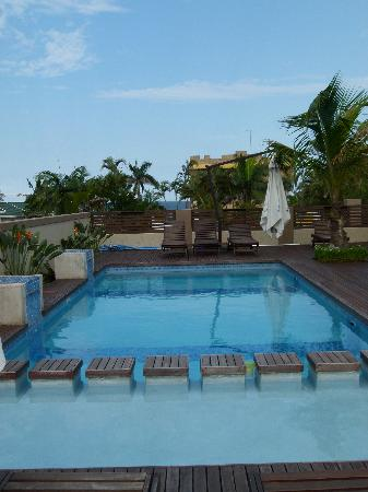 Coco De Mer: Pool area