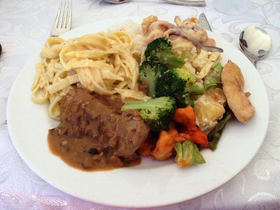 Thunderbird Resorts Poro Point: Food!