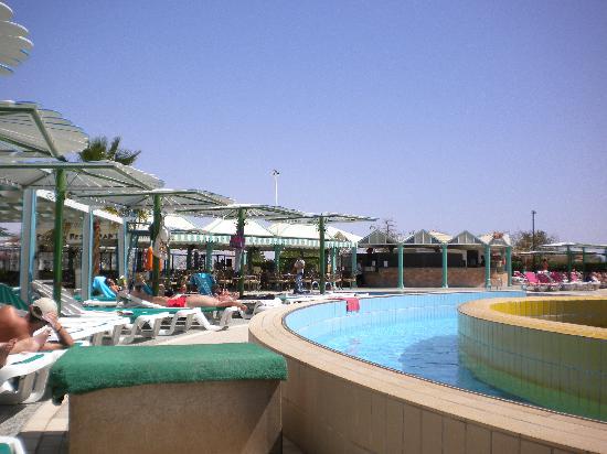 Dreams Beach Resort: Main pool