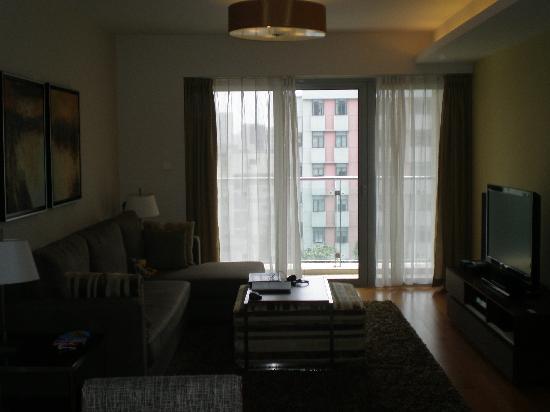Shama Shanghai Xujiahui Serviced Apartment: Living room