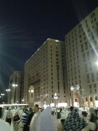 Shaza Al Madina Hotel Facade