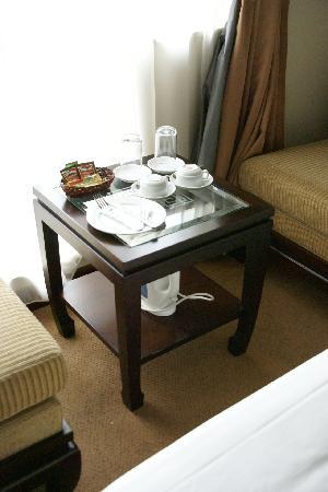 Thang Long Opera Hotel: чайниый набор