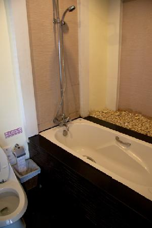Secret Cliff Resort: Bathroom