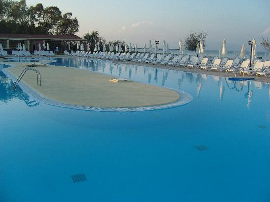 Mayor Capo Di Corfu: Poolside