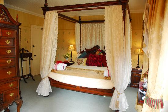 Moorlands Country House: ROOM 4 FOUR POSTER