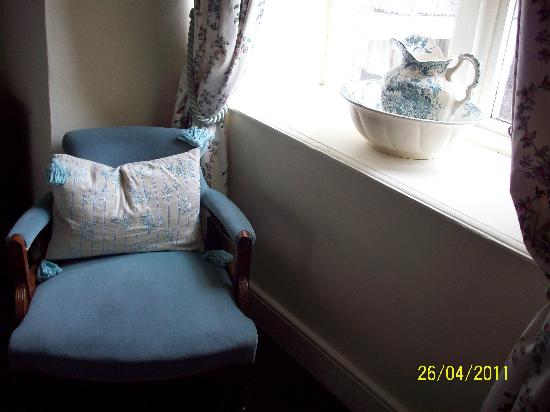 Cantre Selyf: Blue velvet to relax by the window.